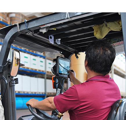 tablet do wózków widłowych i samochodów - Winmate M101M8